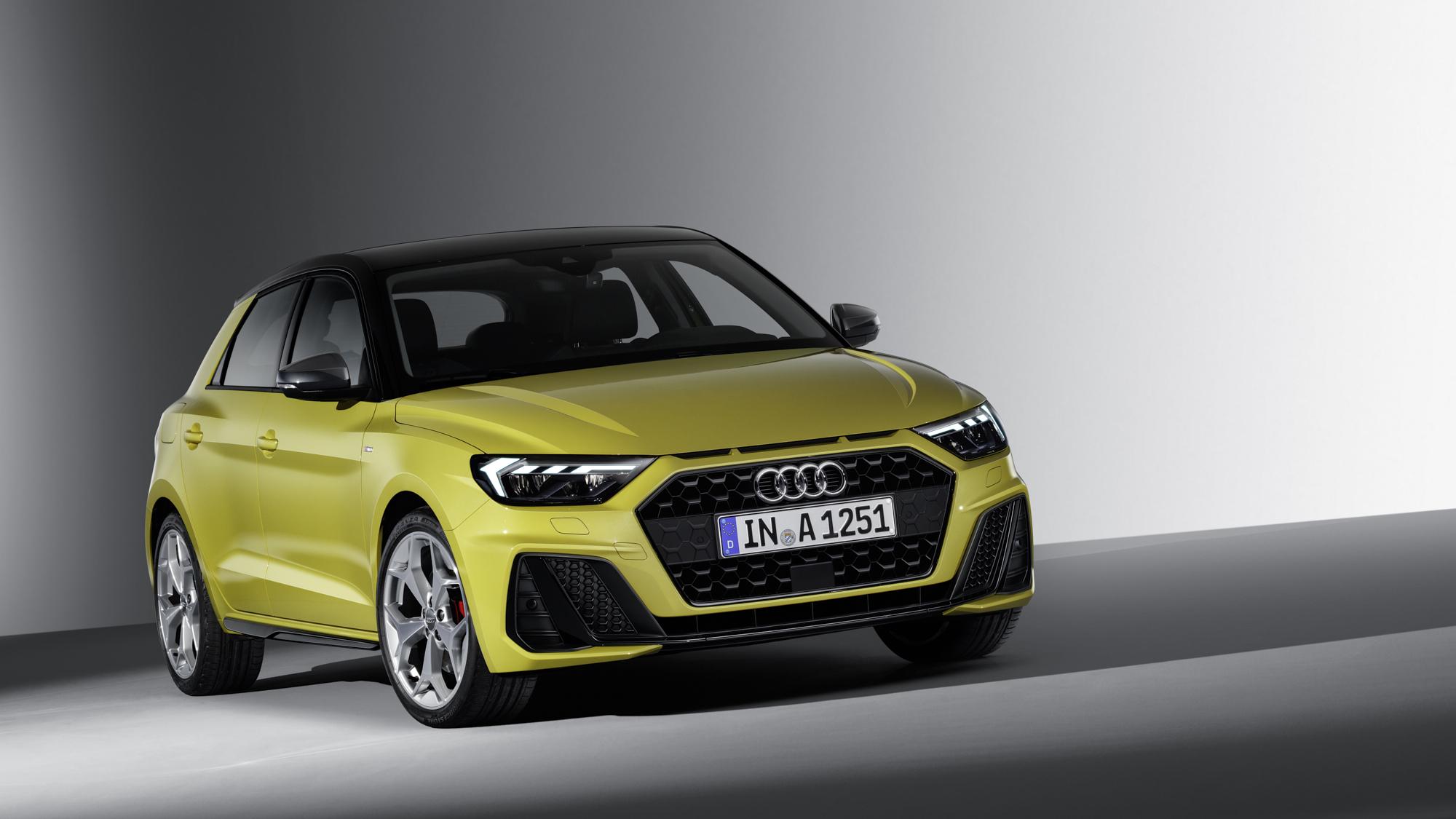 RWink_Audi_A1_EXT_010_B2200